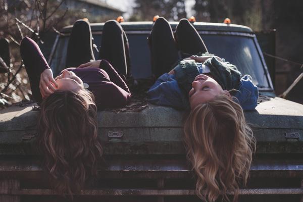 een-datingsite-gebruiken-om-een-vriendschap-te-vinden